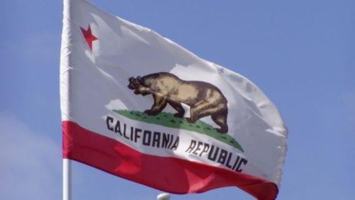 California: van tres parvadas comerciales con Newcastle