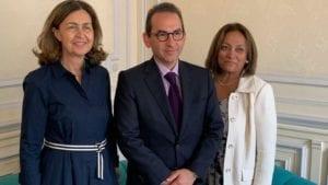Colombia no apoya prohibir sistemas de producción avícola