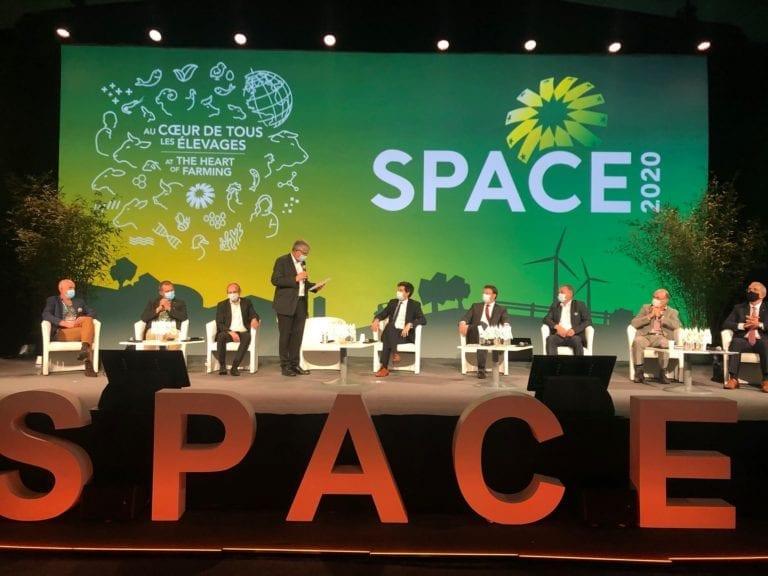 El contraste entre los premios SPACE y López Obrador
